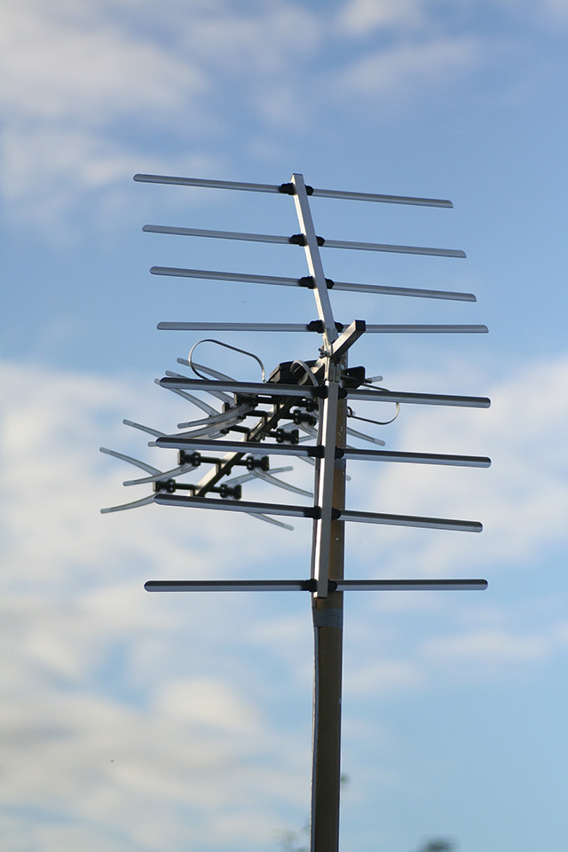 tv_antenna_freeimg.jpg